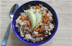 Oatmeal with Apple and Apricots